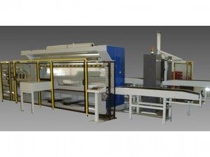 Packaging line with conveyors