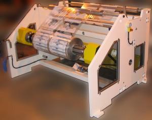 Dérouleur axial motorisé avec prise de bobine au sol UW1600 - Laize : 1300 mm - Diamètre : 1200 mm - Vitesse : 250 m/min